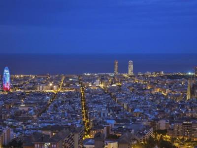 autocares-barcelona-citytours-barcelona-de-nit