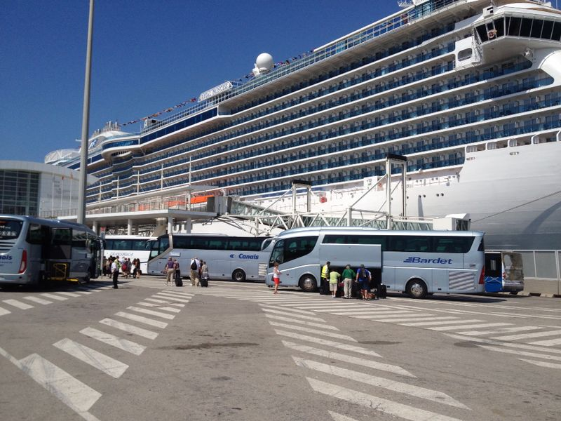 The Port of Barcelona ended 2015 with positive results. Has reached 2.5M cruise passengers.