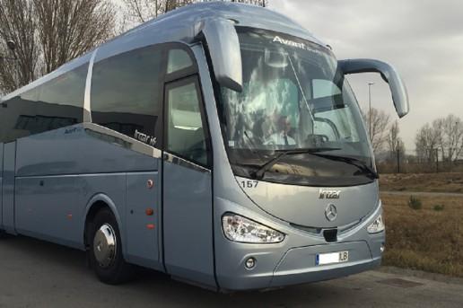 autocares-barcelona-flota-avantgrup-MercedesBenz-exterior