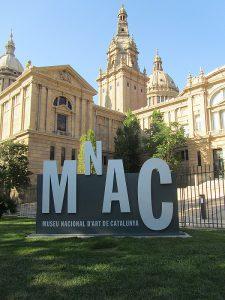 Mnac-Avantgrup-Autocares-en-Barcelona